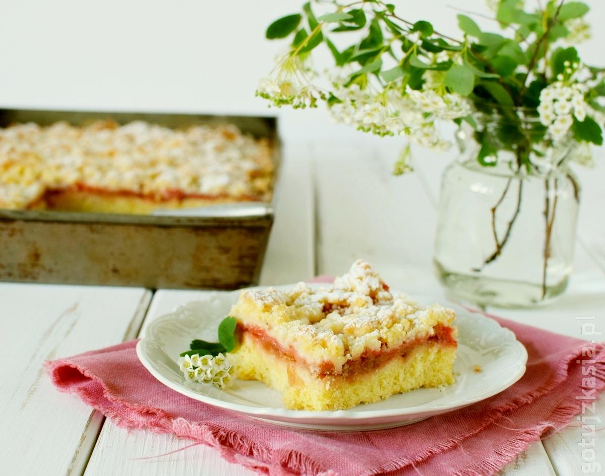 ciasto z rabarbarem i truskawkami 1