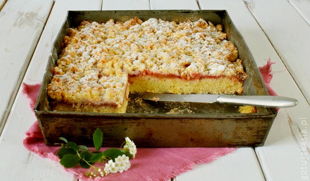 ciasto z rabarbarem i truskawkami 2