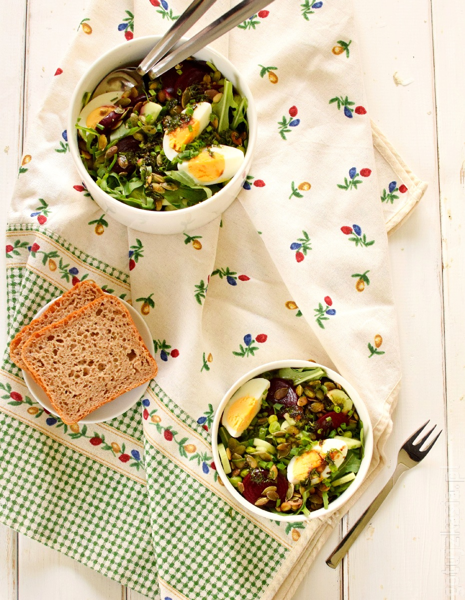 salatka z burakiem i jajkiem 3