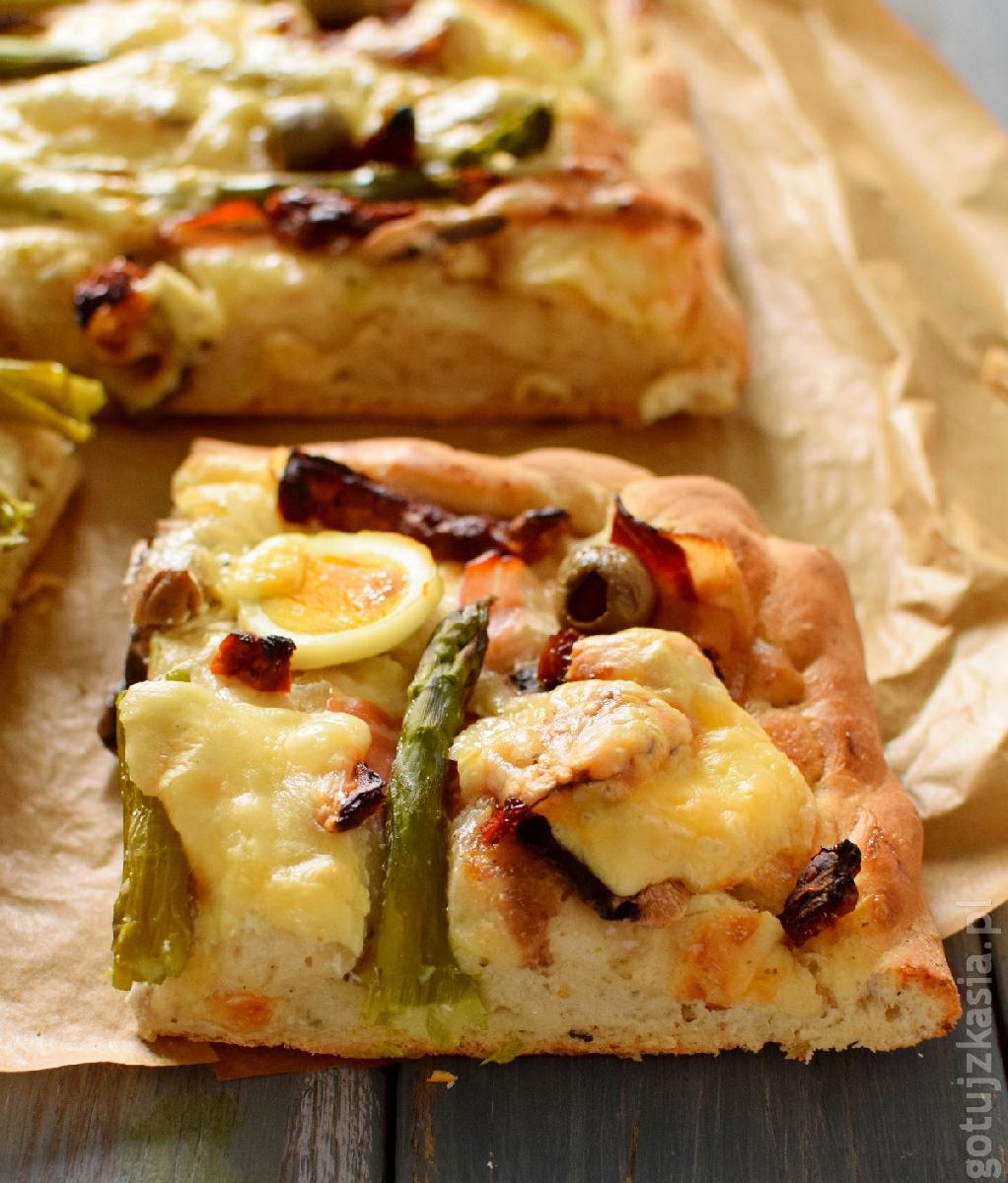 ziolowa pizza ze szparagami 5