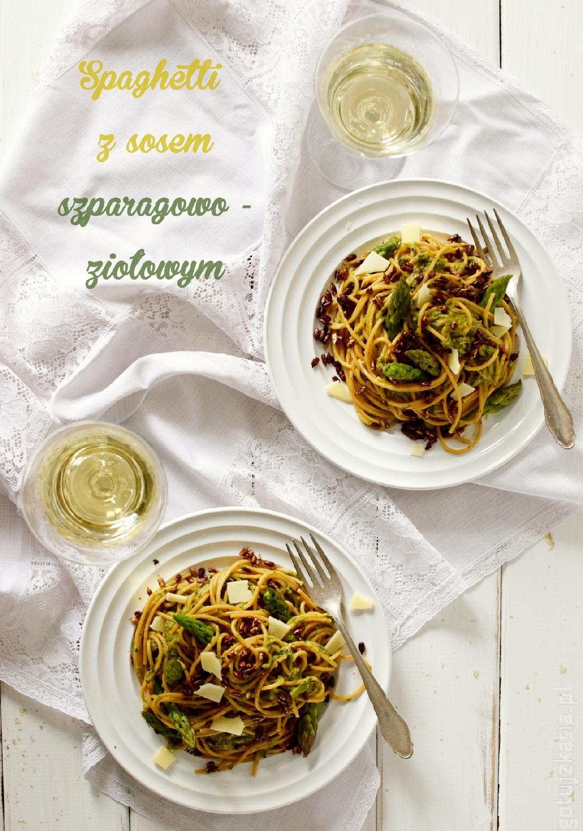spaghetti z sosem szparagowo-ziolowym 1