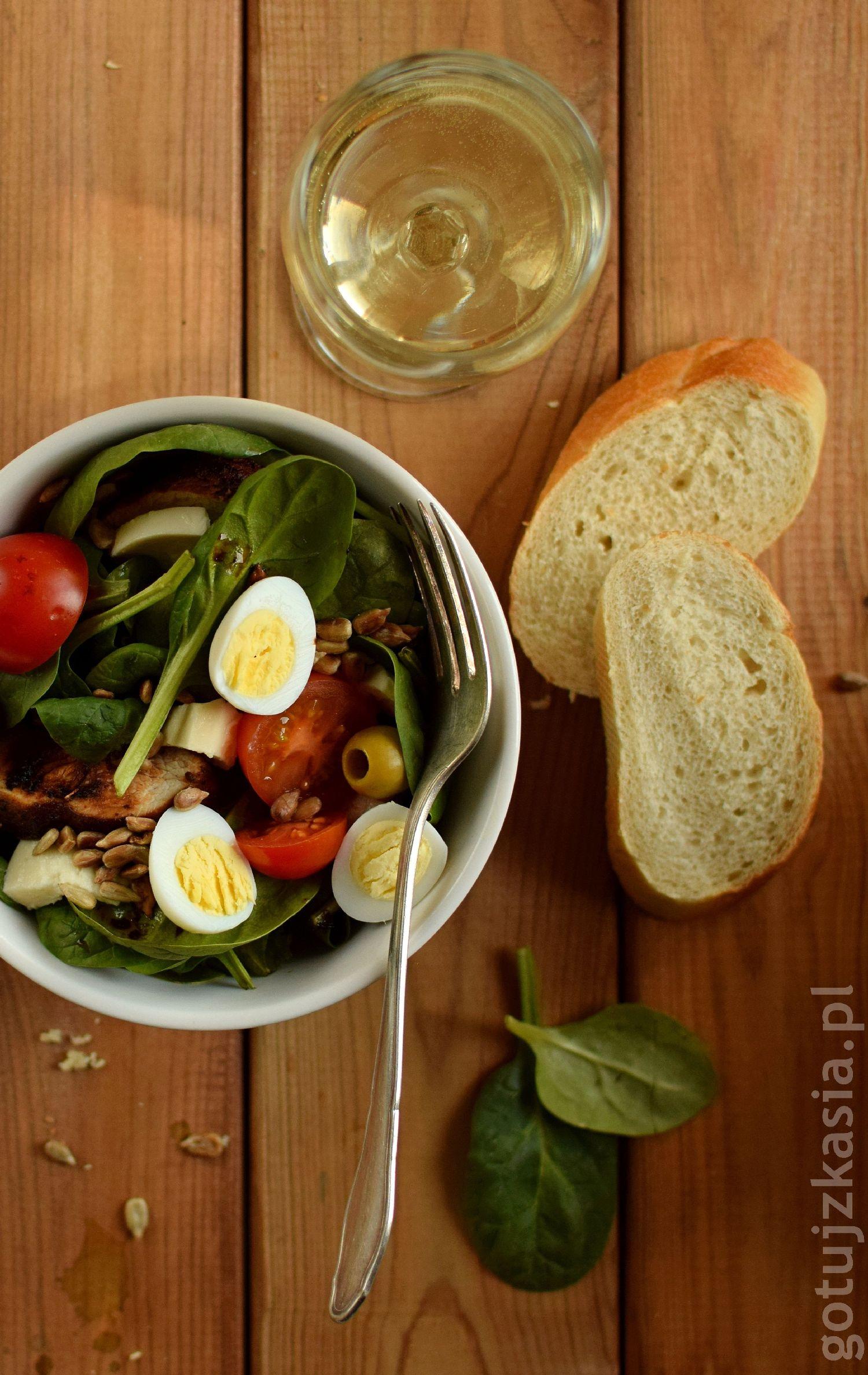 salatka z indykiem i szpinakiem 8