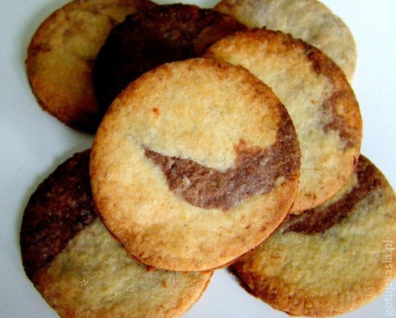 dwukolorowe kruche ciasteczka