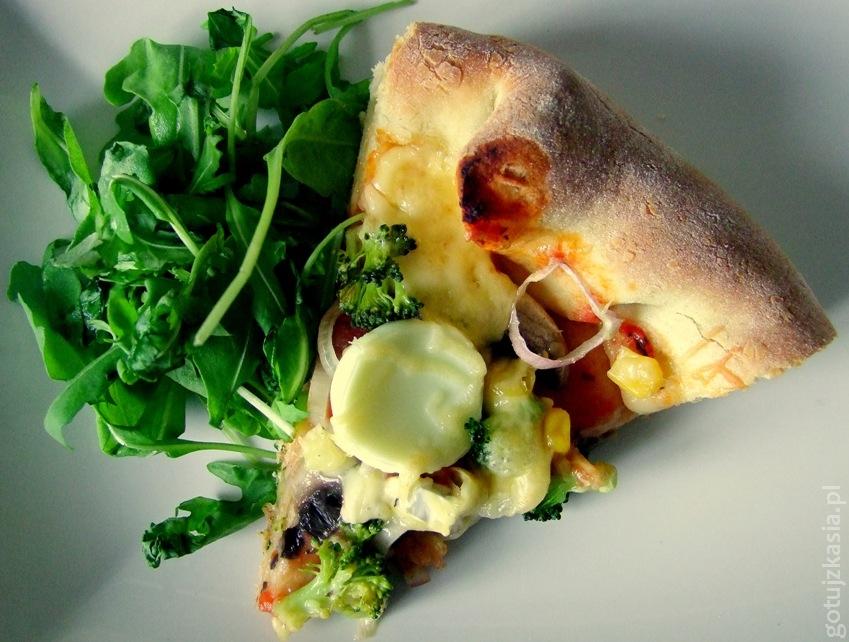 pizza z serem w rantach 3