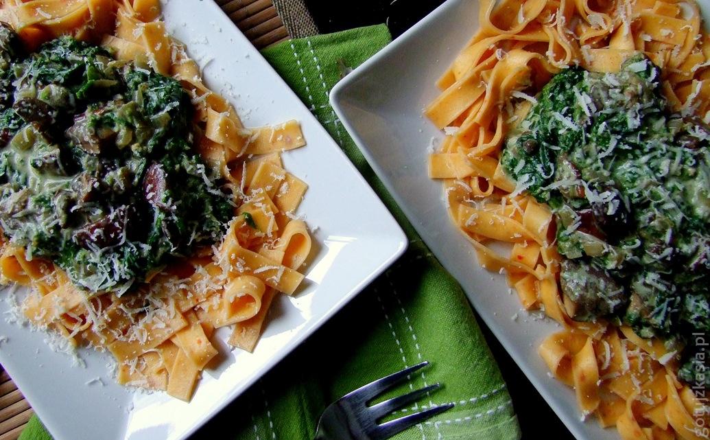 makaron z sosem grzybowo-szpinakowym 3