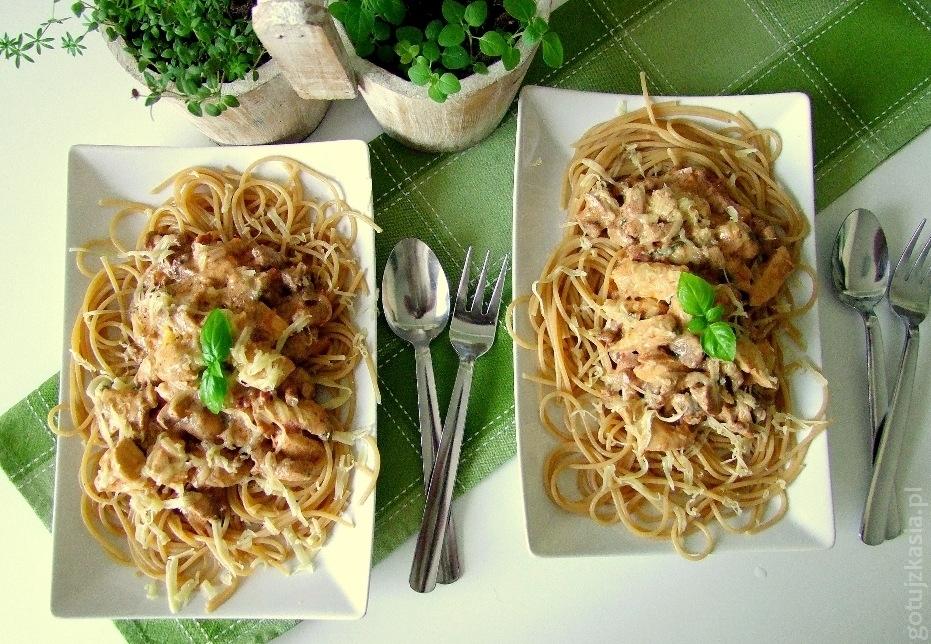 spaghetti z kurczakiem i kurkami 2