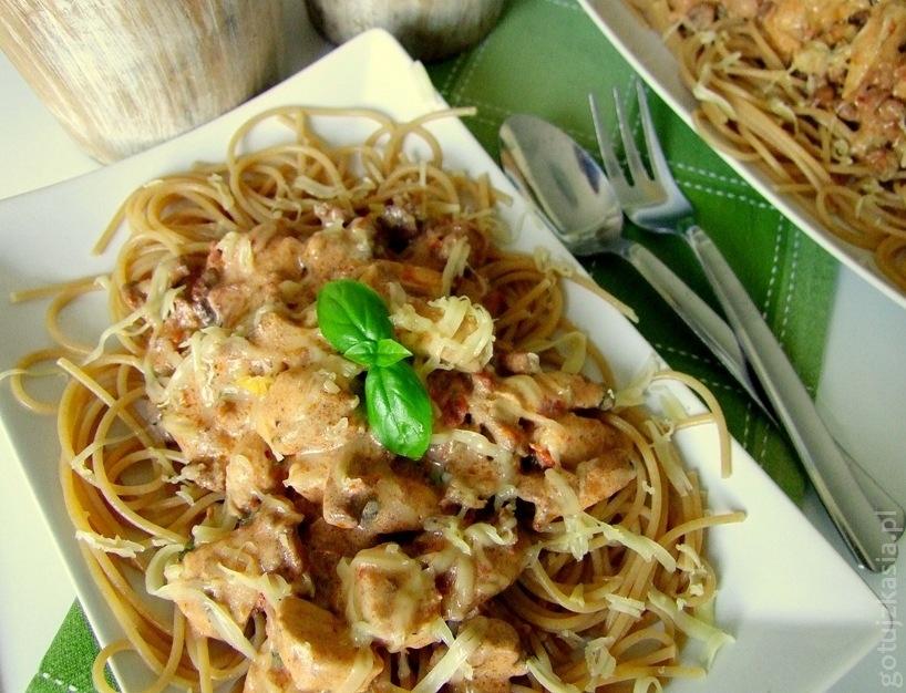 spaghetti z kurczakiem i kurkami 3-001