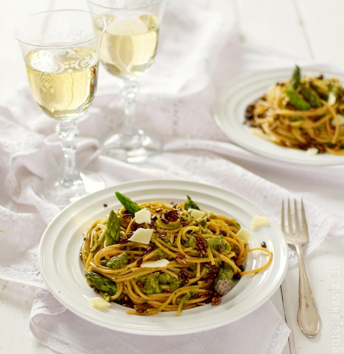spaghetti z sosem szparagowo-ziolowym 2