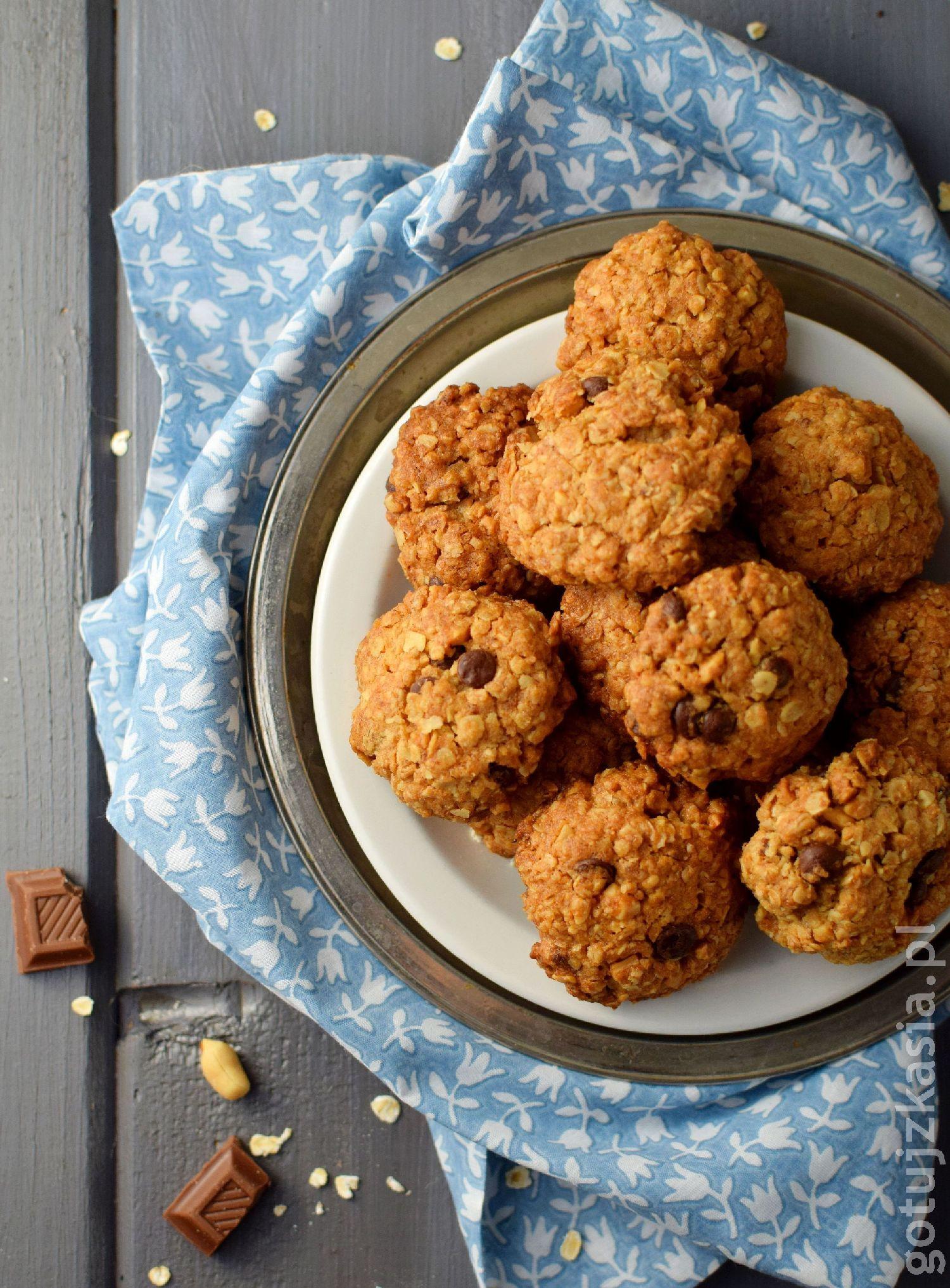 ciasteczka z orzeszkami i czekolada 1