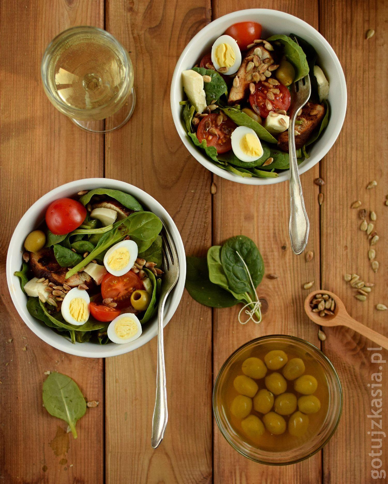salatka z indykiem i szpinakiem 6