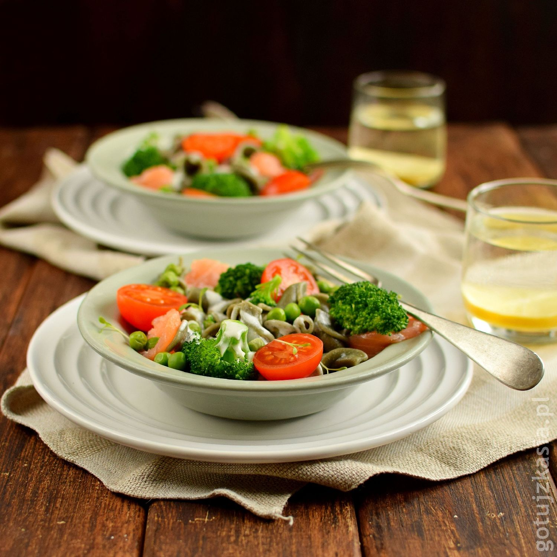 makaron z lososiem i brokulem 2
