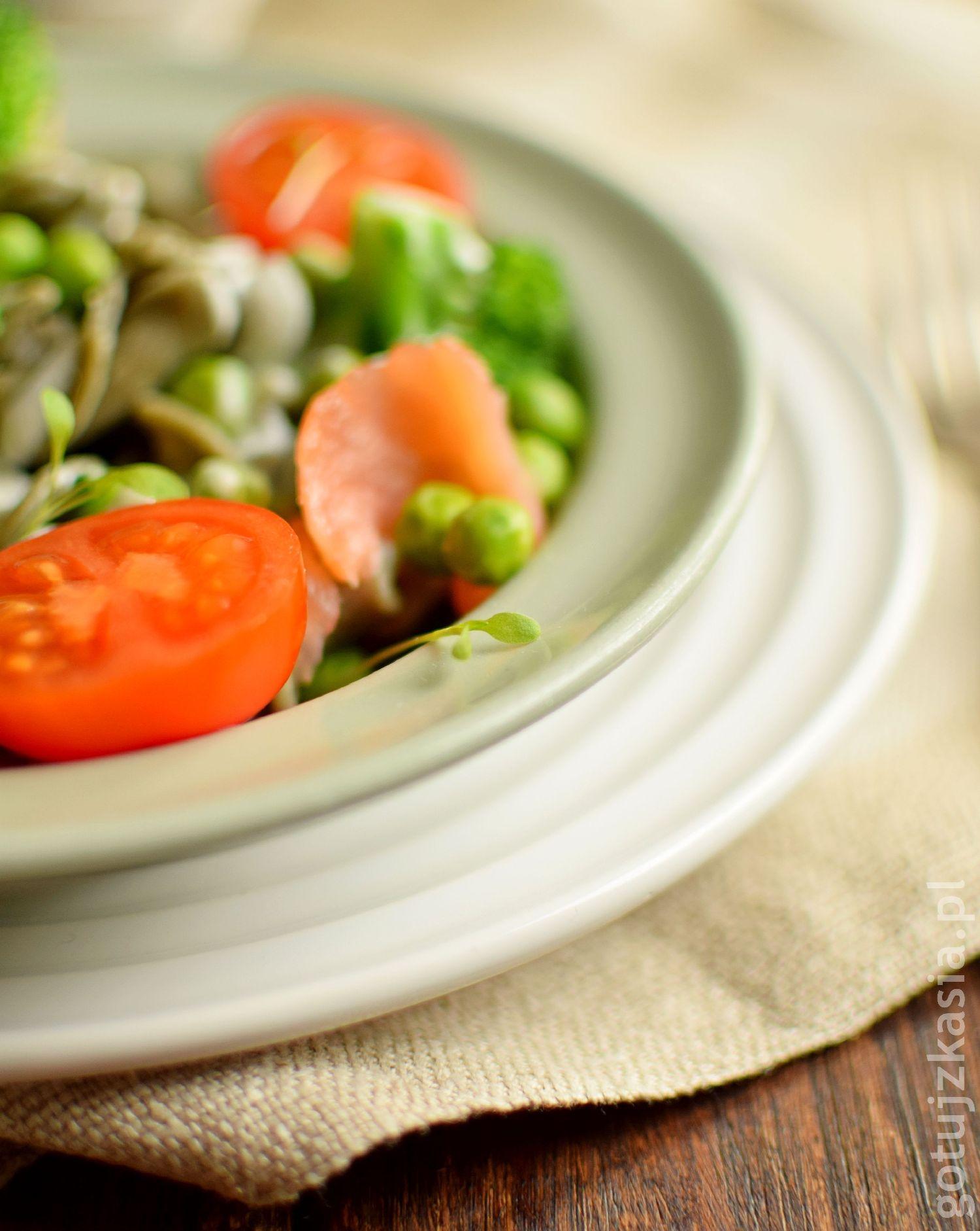 makaron z lososiem i brokulem 4